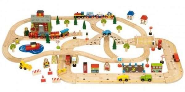 lesen-vlakci-in-ceste