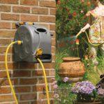 Cev za zalivanje – koristna pomoč pri vrtnem opravilu