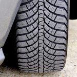 Ostanimo varni na cesti s primernimi gumami
