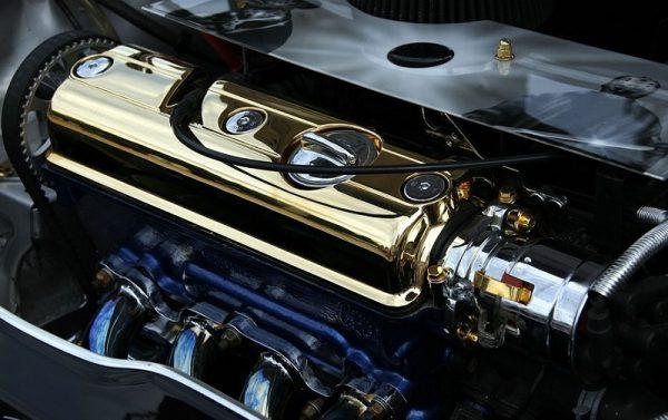 Ohišje ročičja in blok motorja sta najpogosteje združena kar v enem odlitku.