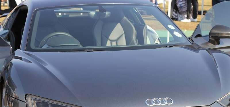 Vetrobransko steklo za avtomobil